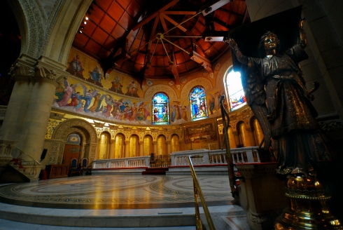 Stanford Memorial Church interior. Photo by Eric Chan