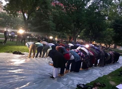 iftar prayer.jpg